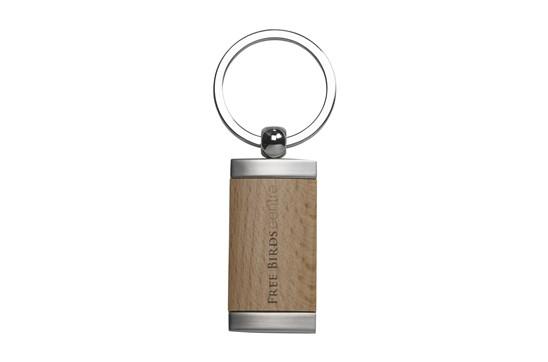 HOLZI Metall:   Schlüsselanhänger aus mattem Metall mit einem Einleger aus Buchenholz. Pro S