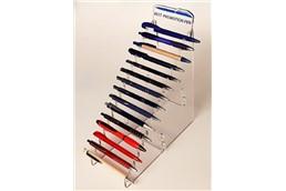Kugelschreiber Display Best Promotion Pen: Hochwertiges Plexiglasdisplay mit Belegung von 15 Kugelschreibern und inklusive